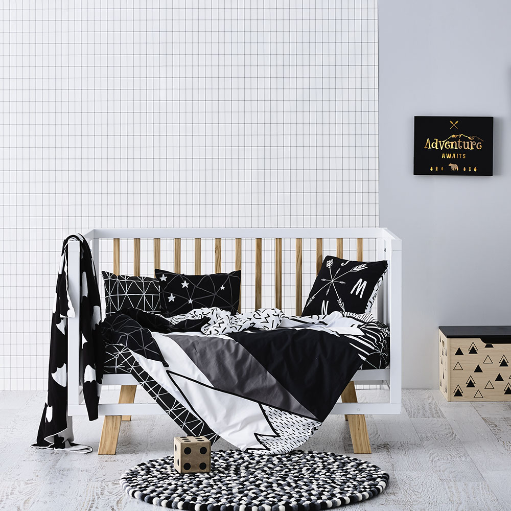 noir et blanc pour une chambre d 39 enfant. Black Bedroom Furniture Sets. Home Design Ideas