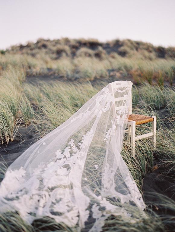 rue-de-seine-vintage-lace-wedidng-veil-erich-mcvery-photography