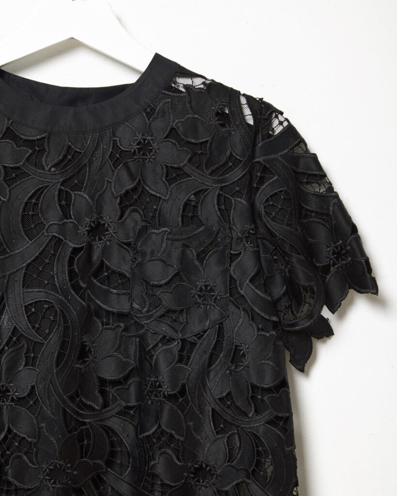 sacai-guipure-lace-top