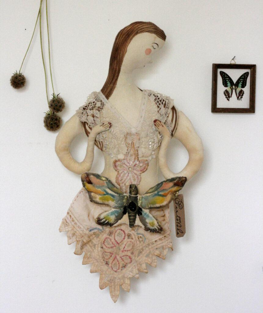 thysania-textile-art-doll-pantovola
