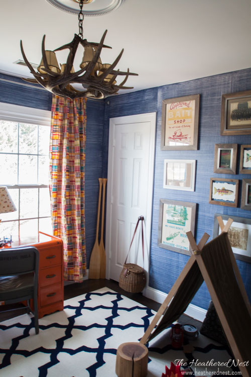 denim-faux-finish-for-walls-GREAT-idea-to-add-texture-and-interest-for-an-upscale-look-on-a-budget-Looks-like-grasscloth-or-real-denim-jeans-from-www.heatherednest.com-9-of-10