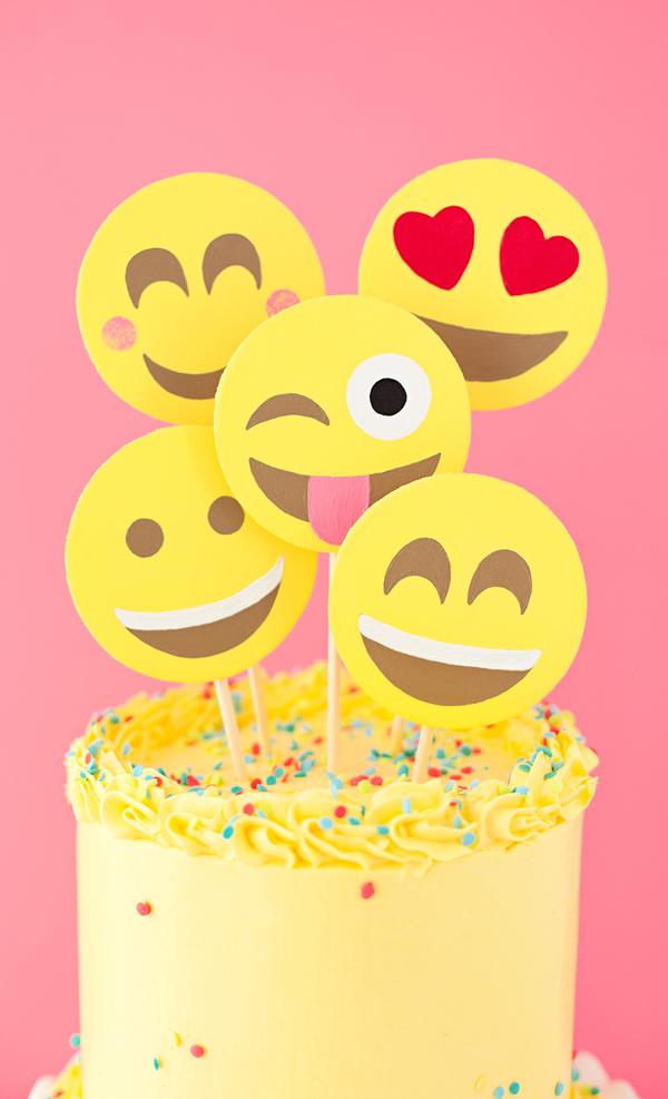 emoji-cake-asubtlerevelry