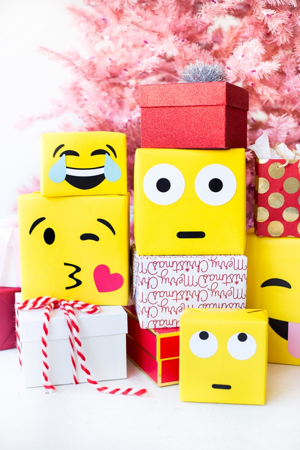 emoji-wrapping-paper-studiodiy