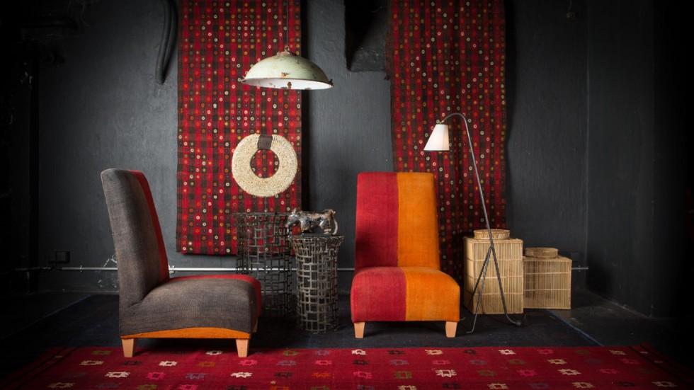 fauteuil-chauffeuse-perde-rouge-orange-la-maison-generale