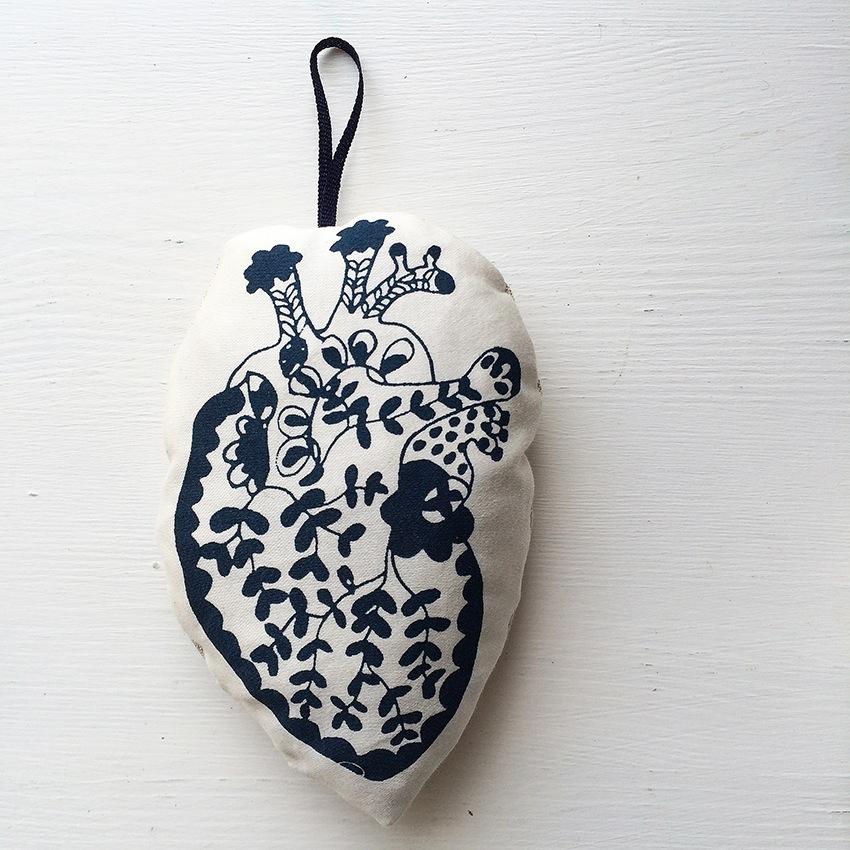 maxine-sutton-handprinted-heart
