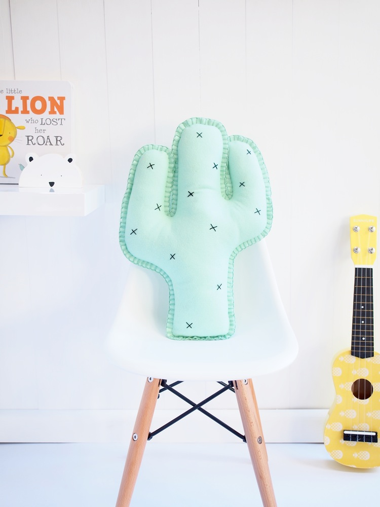 booandbear-cactus-wool-felt-cushion