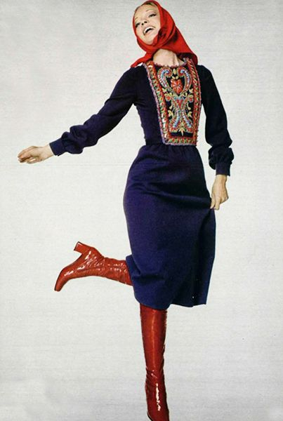 embroidered-dress-officiel-1976