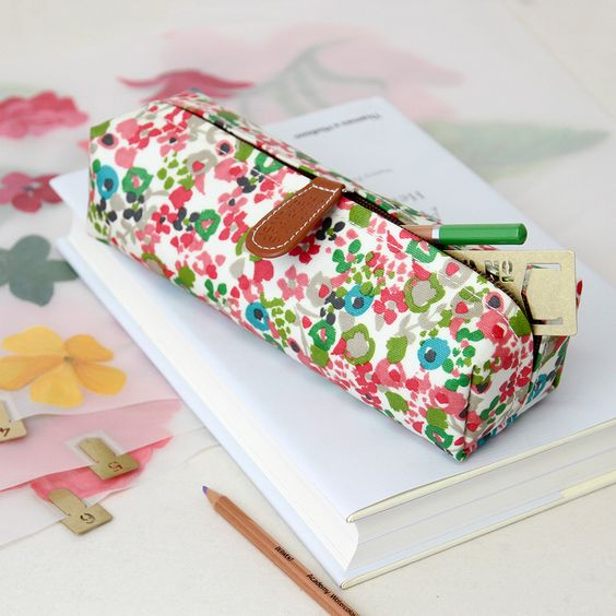 caroline-gardner-ditsy-pencil-case