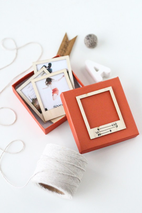 diy-wooden-polaroid-gift-set-sugarandcloth
