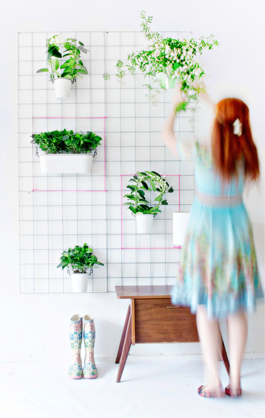 green-diy-planter-wall-planter-lanaredstudio