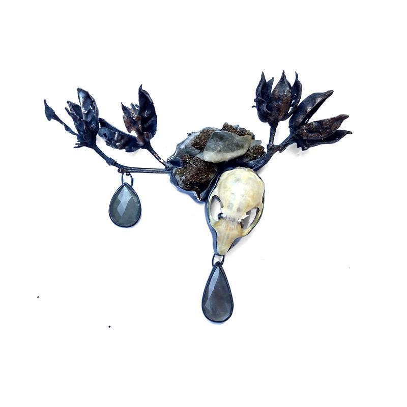 hibiscus-brooch_anna-jonhson-jewelry