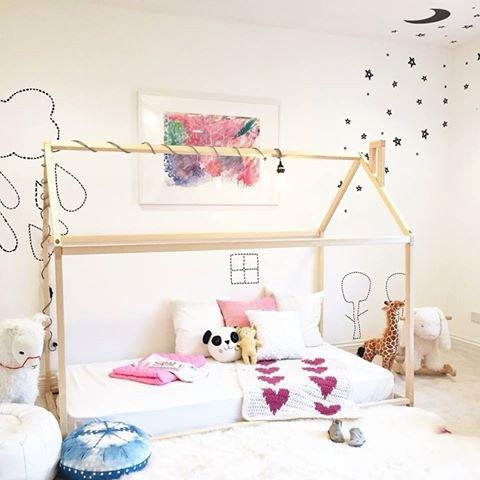 chambre d 39 enfant dans mon lit cabane plumetis magazine. Black Bedroom Furniture Sets. Home Design Ideas