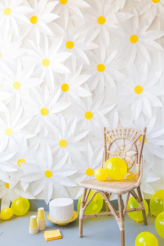 daisy-backdrop-thehousethatlarsbuilt