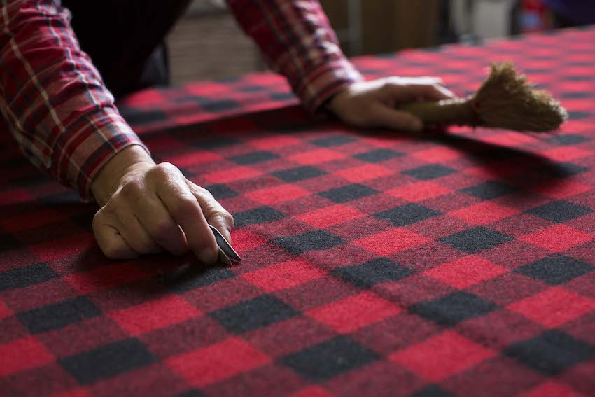 harris-tweed-fabric-finishing-hebrides