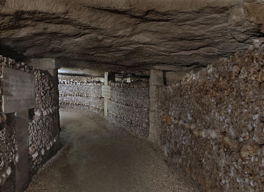 Dans les catacombes de paris 2