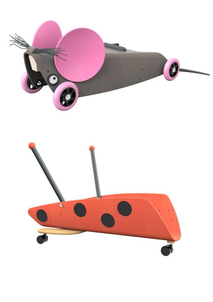 bien chou au volant de son porteur en bois plumetis magazine. Black Bedroom Furniture Sets. Home Design Ideas