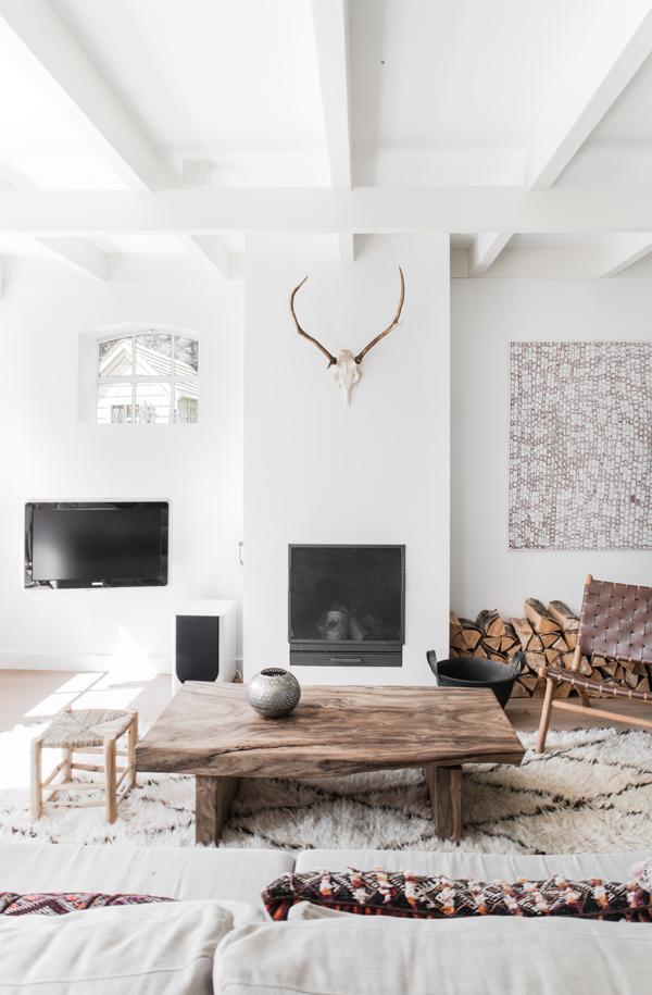 Peindre les poutres en bois apparentes au plafond ? - Plumetis Magazine