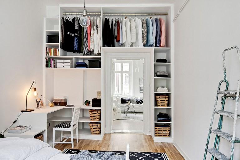 rangements am nager l 39 espace au dessus des portes plumetis magazine. Black Bedroom Furniture Sets. Home Design Ideas