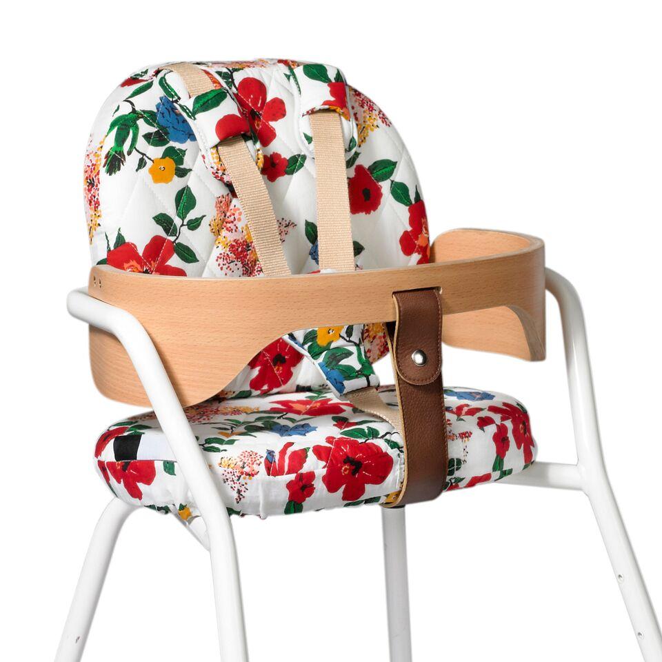 la nouvelle collaboration le petit lucas du tertre x charlie crane plumetis magazine. Black Bedroom Furniture Sets. Home Design Ideas