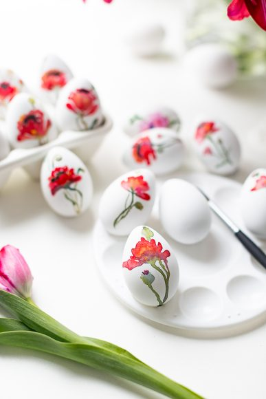 Watercolor Painted Eggs // Craftberry Bush